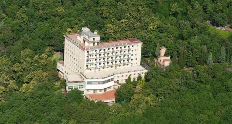 Emmaus Hotel Natura