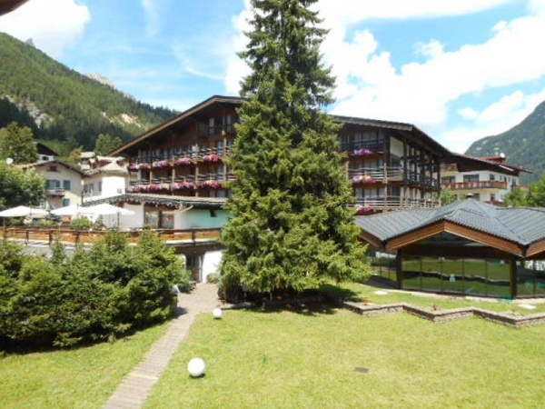 Hotel Pozza di Fassa Montagna